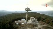 Sprengung des Aussichtsturms am Pyramidenkogel - Luftaufnahmen
