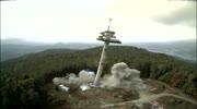 Sprengung des Aussichtsturms am Pyramidenkogel