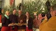 """Auftakt zum Bauernbackhendlfest Längsee Hochosterwitz 2014 - """"3 mal kräht der Hahn"""""""